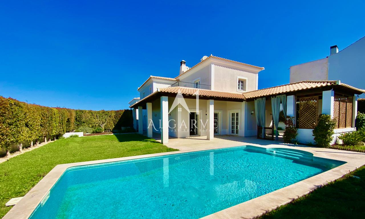 DELIGHTFUL COUNTRY VILLA SITUATED IN THE TRANQUIL COUNTRYSIDE